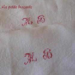 Belle paire de taies anciennes en fil et bordure dentelle MB