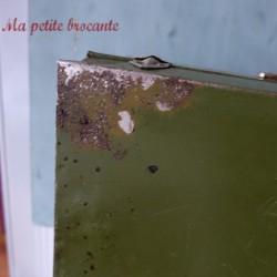 Belle caisse métallique militaire ou cantine
