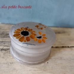 Boîte en verre depoli décor floral peint art déco