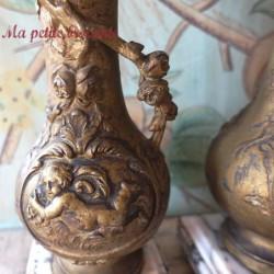 Belle paire de cassolettes ou vases sur socle marbre Moreau ?