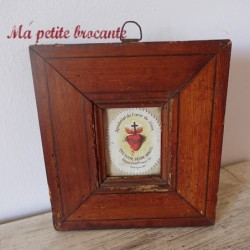 Ecusson tissu du sacré coeur de Jésus dans un cadre bois