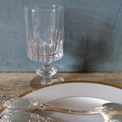 Verre à vin rouge des cristalleries Royale de Champagne