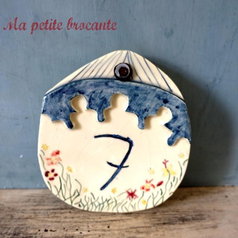 Plaque en céramique numéro de maison n°7 décor floral