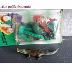 Boîte ancienne d'animaux préhistoriques et crocodile Kim Play