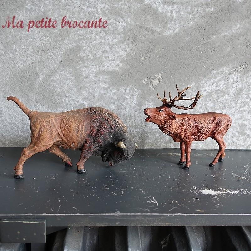 Cerf et bison en composition Elastolin