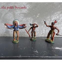 Lot de trois anciennes figurines indiens en composition Elastolin
