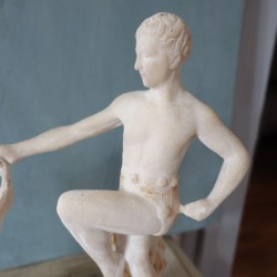 Belle sculpture en albâtre d'un couple de danseurs J. COLOMBINI