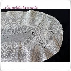 Ancien centre de table fond de bonnet fine dentelle