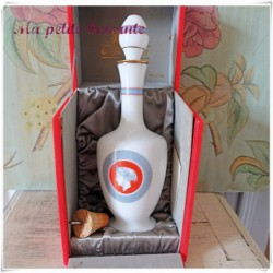 Carafon collection Marnier Lapostolle en opaline dans son coffret d'origine