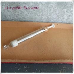 Ancienne seringue auriculaire en verre