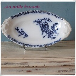 Ancien ravier en porcelaine de Chantilly modèle coquelicots