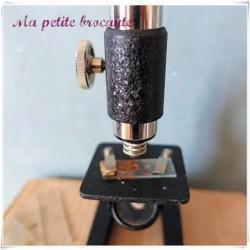 Ancien microscope en métal pour enfants