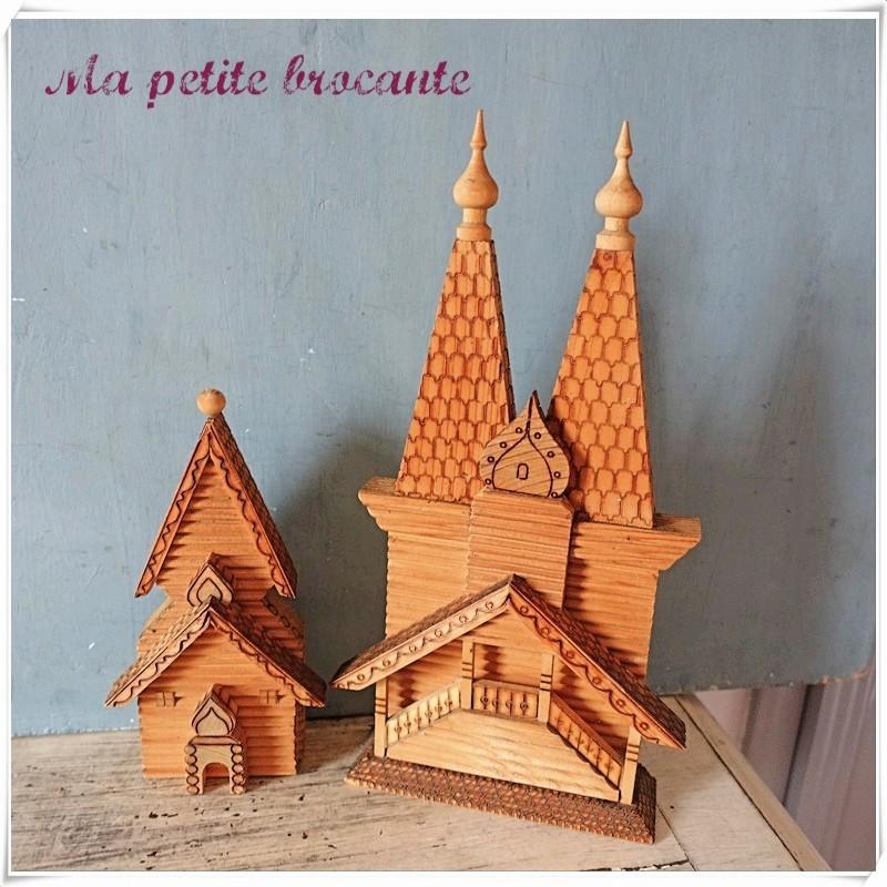 Artisanat russe maison en bois à peindre