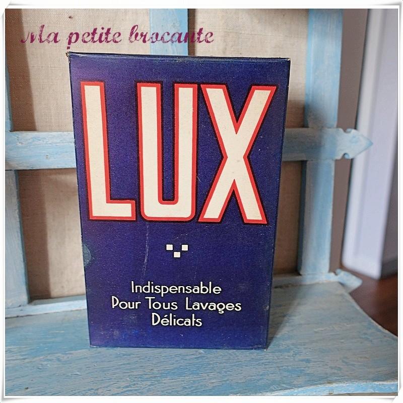 Ancienne boîte de lessive intacte Lux lavages délicats