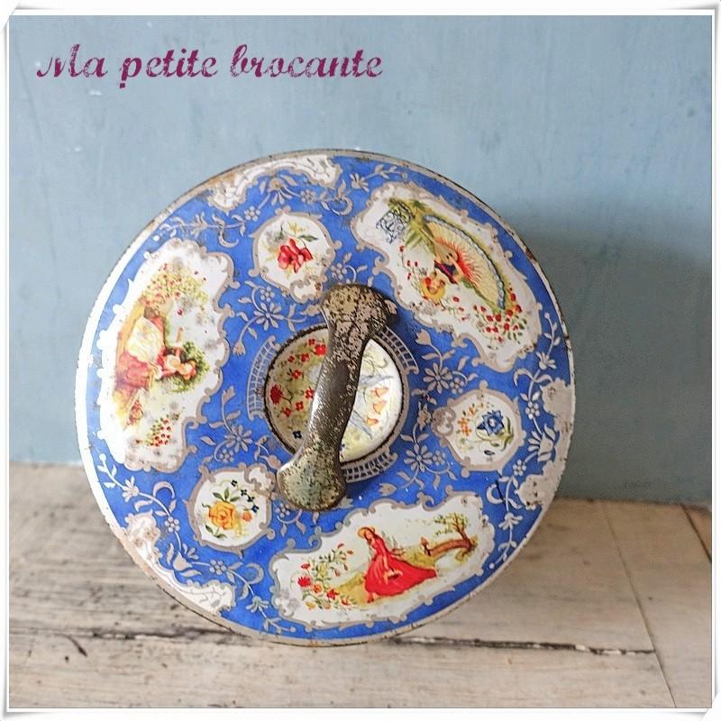 Belle boîte en tôle ronde décor de princesses et d'oiseaux