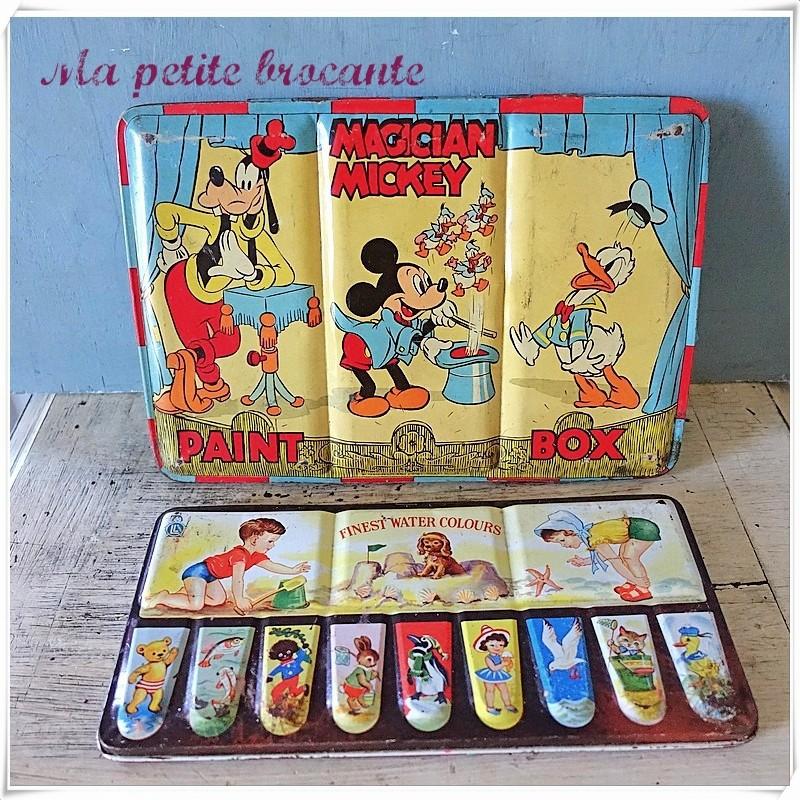 Lot de deux boîtes Finest water colours et Magician Mickey paint box