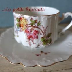Tasse et soucoupe à thé décor bouquet floral en porcelaine de Limoges