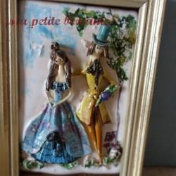 Ancien petit cadre en céramique décor d'un couple amoureux style Peynet