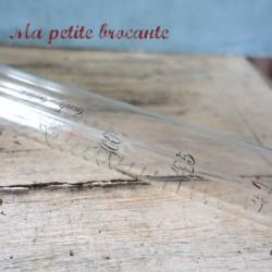 Ancien tube à essai gradué 0 à 150 centi-cubes J. Ruelle 8 rue de Pontoise Paris