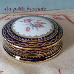 Bonbonnière ou boite à bijoux en porcelaine de Limoges David & Cie
