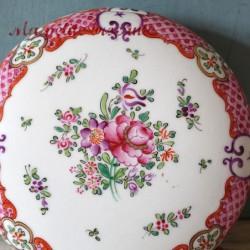 Grande bonbonnière en porcelaine J. Gaillard 19 rue Paradis Paris