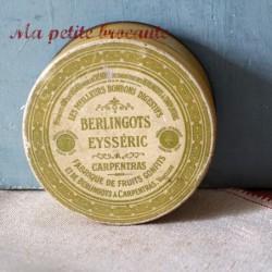 Boite ancienne en tôle les berlingots Eysséric Carpentras