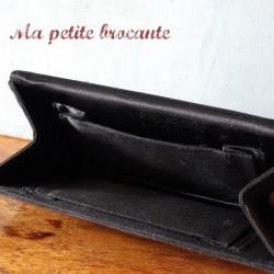 Pochette ancienne vintage en daim noir