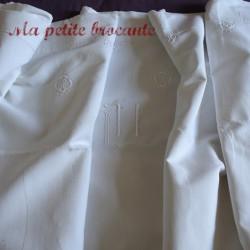 Drap ancien en lin et coton  monogramme HL et broderies