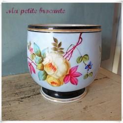 Cache pot en porcelaine de Paris Napoléon III