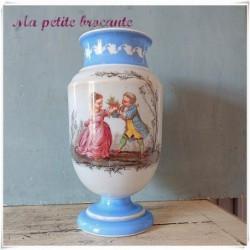 Vase en opaline décor romantique Napoléon III