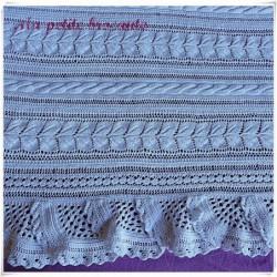Couvre-lit ancien au tricot coton blanc 200 cm x 230 cm