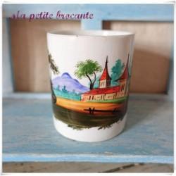 Mug ancien en porcelaine décor peint à la main