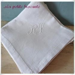 Six serviettes en fil de lin monogramme  RT