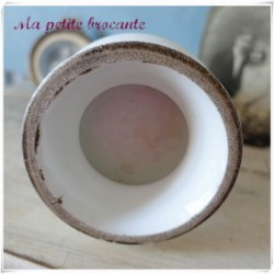 Lampe à pétrole en porcelaine décor romantique électrifiée