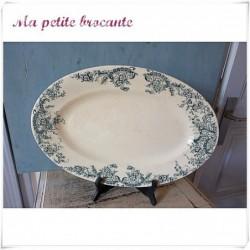 Plat ovale ancien en terre de fer de la manufacture R & A Salins du modèle Bijou