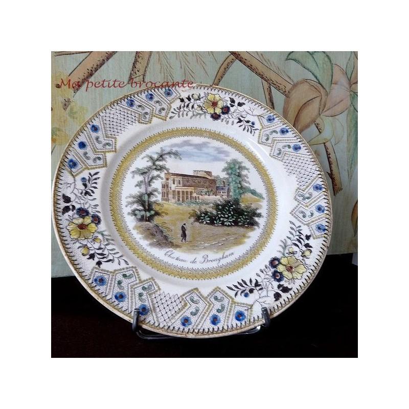 Assiette décorative vue du château de Brougham de la manufacture GIEN DEBUT XIXème