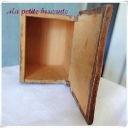 Boite ancienne à sel en bois à peindre ou à cirer