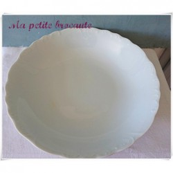 Saladier ancien en porcelaine blanche Royal Limoges