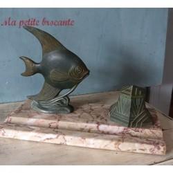Bel encrier patine verte art déco décor de poisson