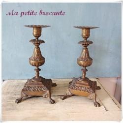 Belle paire de bougeoirs en bronze XIXème