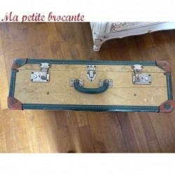 Belle valise mallette  ancienne de voyage avec renforts