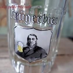 Ancienne choppe à bière Krügerbier émaillée