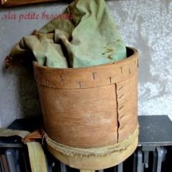 Panier ancien pour cueillir les pommes