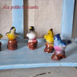 Lot de six petits oiseaux en porcelaine