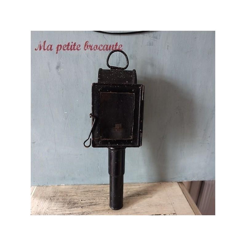 Ancienne lanterne de fiacre avec douille