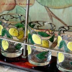 Présentoir ou serviteur verres à liqueur émaillés