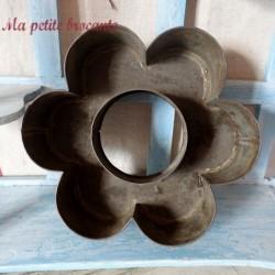 Moule en fer étamé de forme marguerite