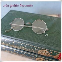 Paire de lunettes ancienne...