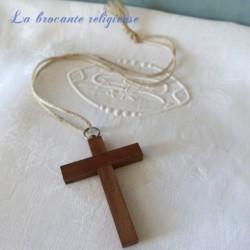 Croix de première communion en bois