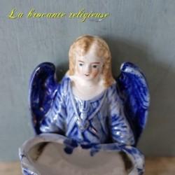 Bénitier ange ancien en biscuit XIXème